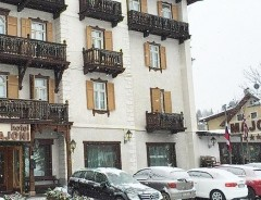 Hotel MAJONI ****